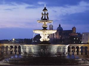 Viterbo - Palazzo dei Priori - La fontana