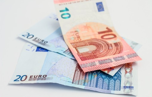 Contributi economici alle famiglie in difficoltà