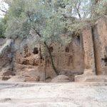 grotte scalina tomba rupestre